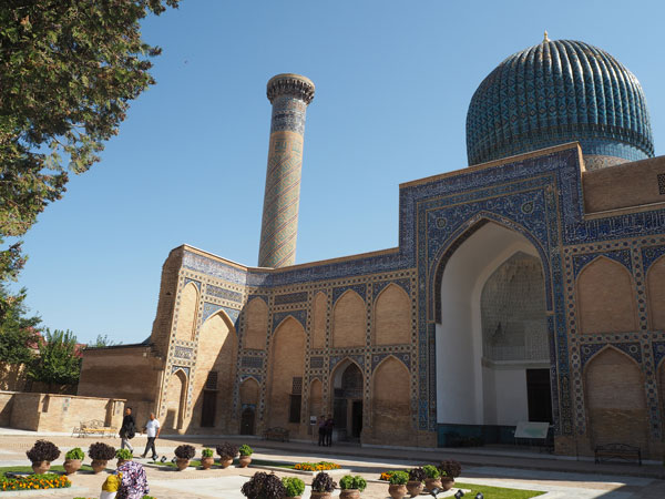 青の都、サマルカンドの美しいモスク